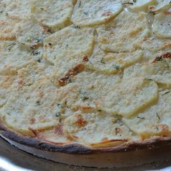 white potato & rosemary pizza (pizza in bianco con patate e rosmarino)