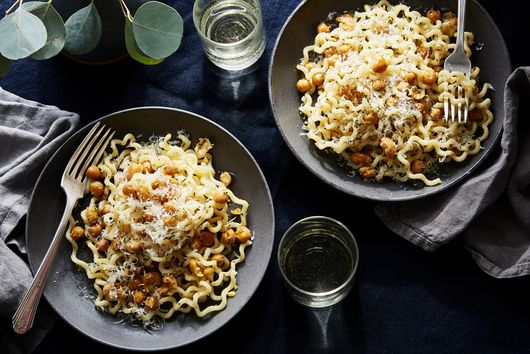 Vicky Bennison's 'Cupboard Is Bare' Pasta & Chickpeas