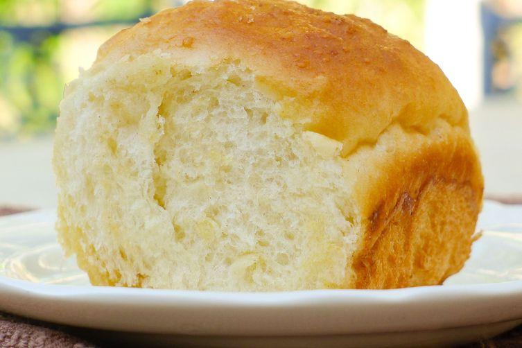 Super Fluffy Rolls, 3 Ways: Plain, Garlic, and Pretzel