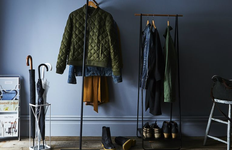 Sell Your Old Stuff for Cold, Hard Cash With These 5 Simple Steps