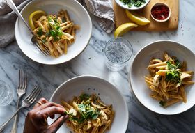 56669bfb 958c 47a0 8c0e d09b0728ab91  2018 0124 one pot spicy creamy chicken pasta 3x2 james ransom 0132