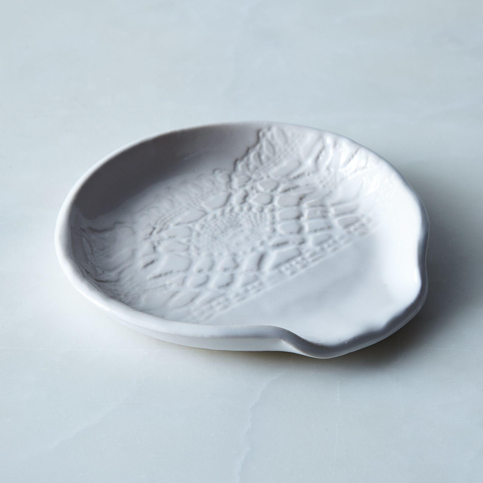 6016f918 ea20 494d bf61 7ce4bcb3ca27  2017 0324 handmade studio tn lace spoon rest white silo rocky luten 11359