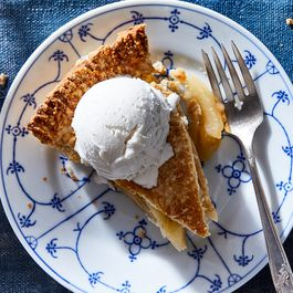 Vegan and Gluten free Baking by Dawn DeSimone