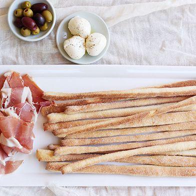 How to Hand-Slice a Prosciutto Leg