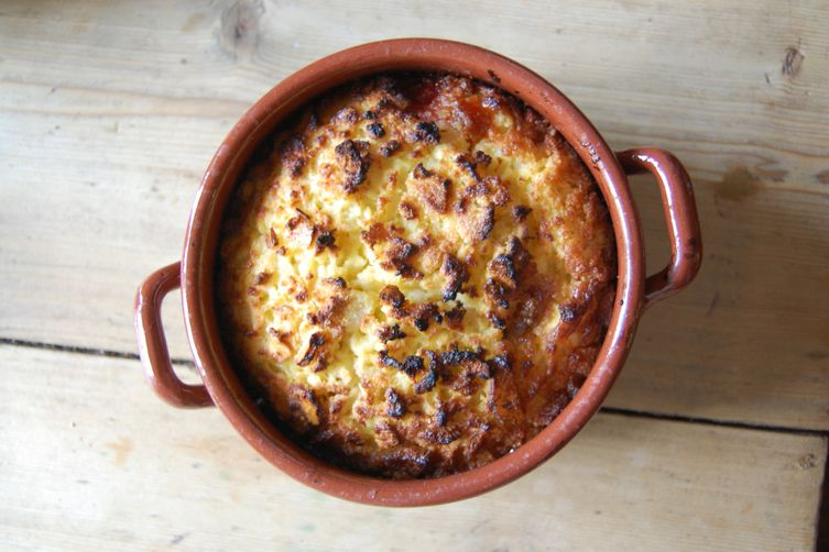 Mrs Beeton's Bakewell-Bread Pudding