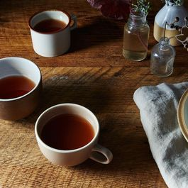 Save Your Apple Peels and Cores—For Tea