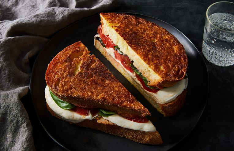 A 5-Ingredient Caprese Grilled Cheese That's as Crispy as It Is Melty