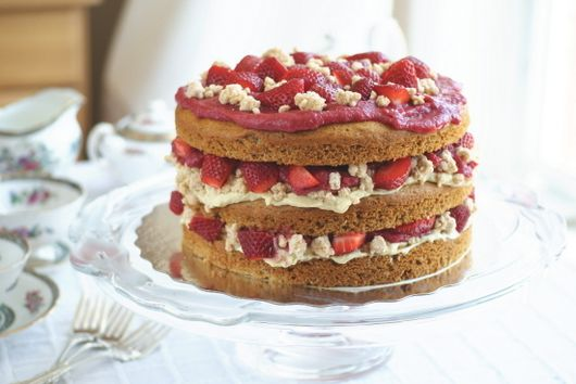 """Strawberry Layer Cake with Pastry Cream Filling and """"White Chocolate"""" Covered Cookie Crumbs, PART II"""
