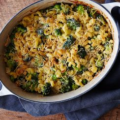 Macaroni-and-Cheese (and Broccoli) Casserole
