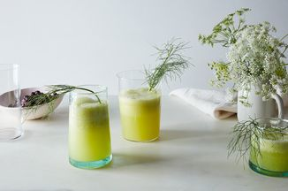 C0bb983f 6453 49bb 96f4 3510c7cc729a  2016 0705 cucumber fennel frond fizz drink james ransom 075