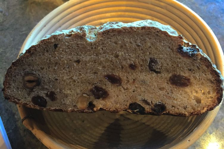 Oatmeal Currant Bread