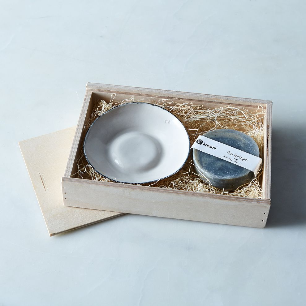 8b31d74f eb0c 4811 8db3 a024b72f7173  2017 0324 conmateria porcelain dish and organic soap gift box forager silo rocky luten 11443