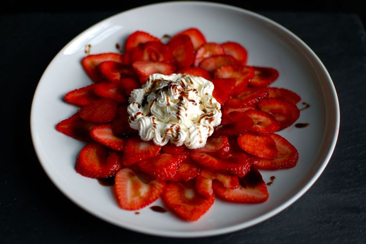 Strawberry carpaccio with balsamic caramel & goat cheese Chantilly