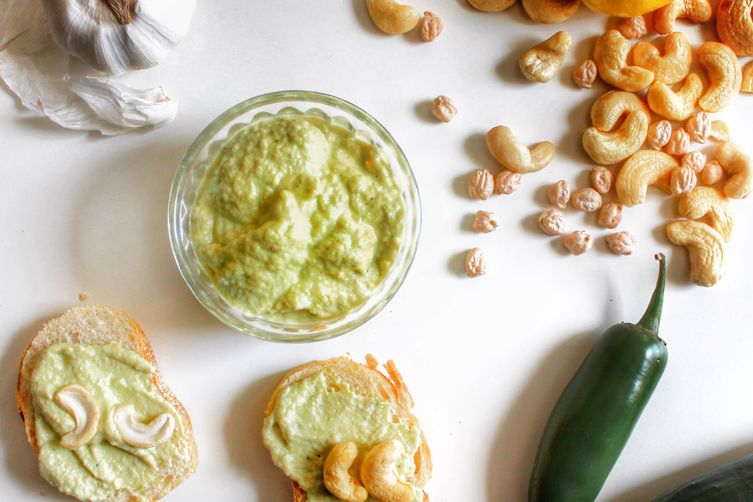 Jalapeño Cashew Hummus