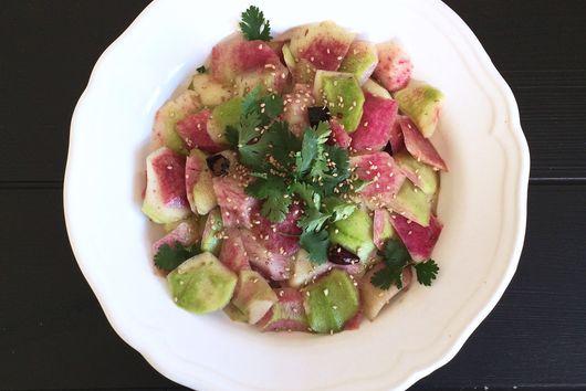 Pink Radish Salad in Garlicky Soya Dressing