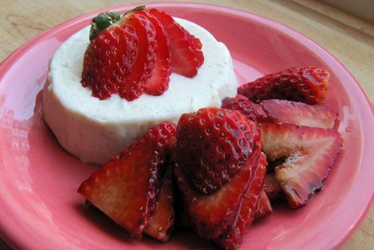 Vanilla Bean Panna Cotta with Balsamic Glazed Strawberries