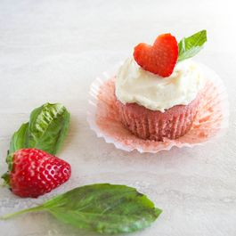 80270b4e 1215 4c01 8a15 f25436d1c378  strawberry basil cupcakes with white chocolate buttercream the not so desperate housewife 11
