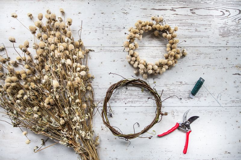 Everything you need to make the finished wreath.