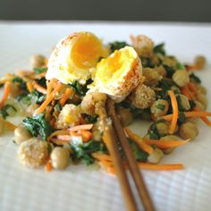 WARM SPINACH SALAD WITH POACHED EGG
