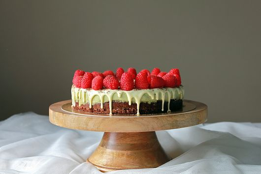 Matcha mousse chocolate sponge cake