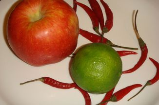 1b81ceb7 8e2a 4156 84d4 85c756f18856  spicy apple salad