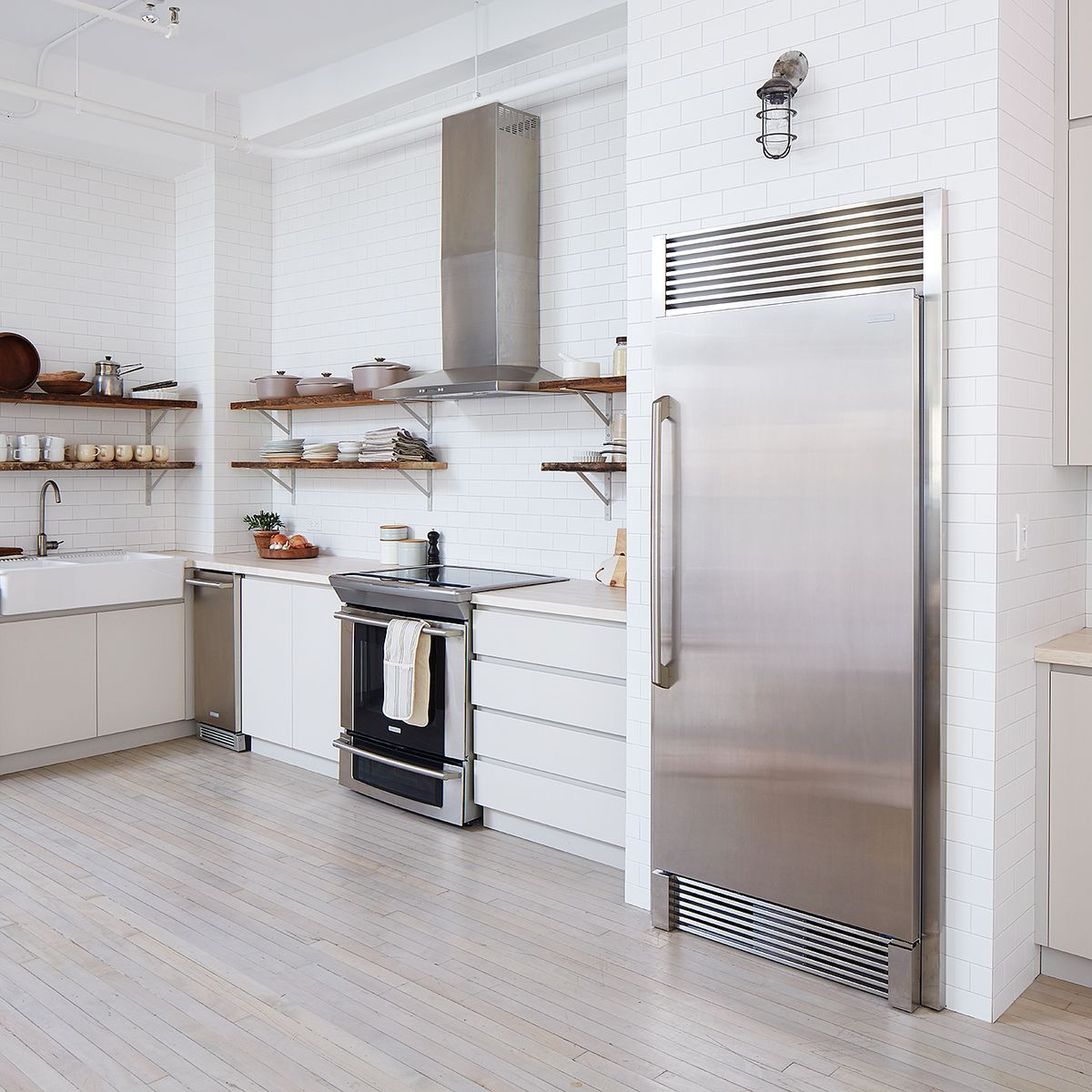 The 13 Best Kitchen Cleaning Tips We Learned in 2016