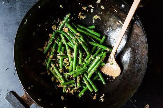 Pad Thai Redux + Sichuanese Dry-Fried Green Beans