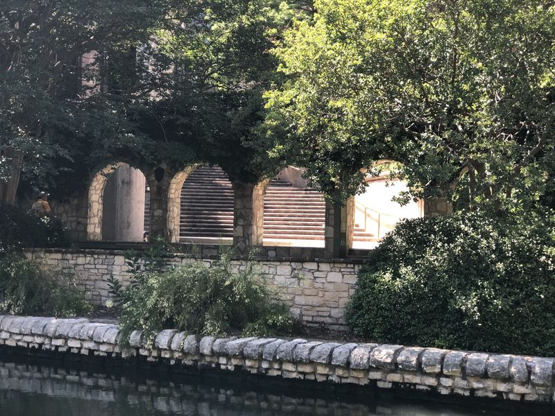 Does this Riverwalk look touristy to you?!