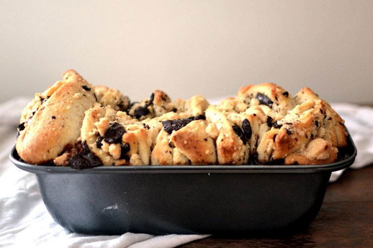 Halva Pull-Apart Bread with Dark Chocolate