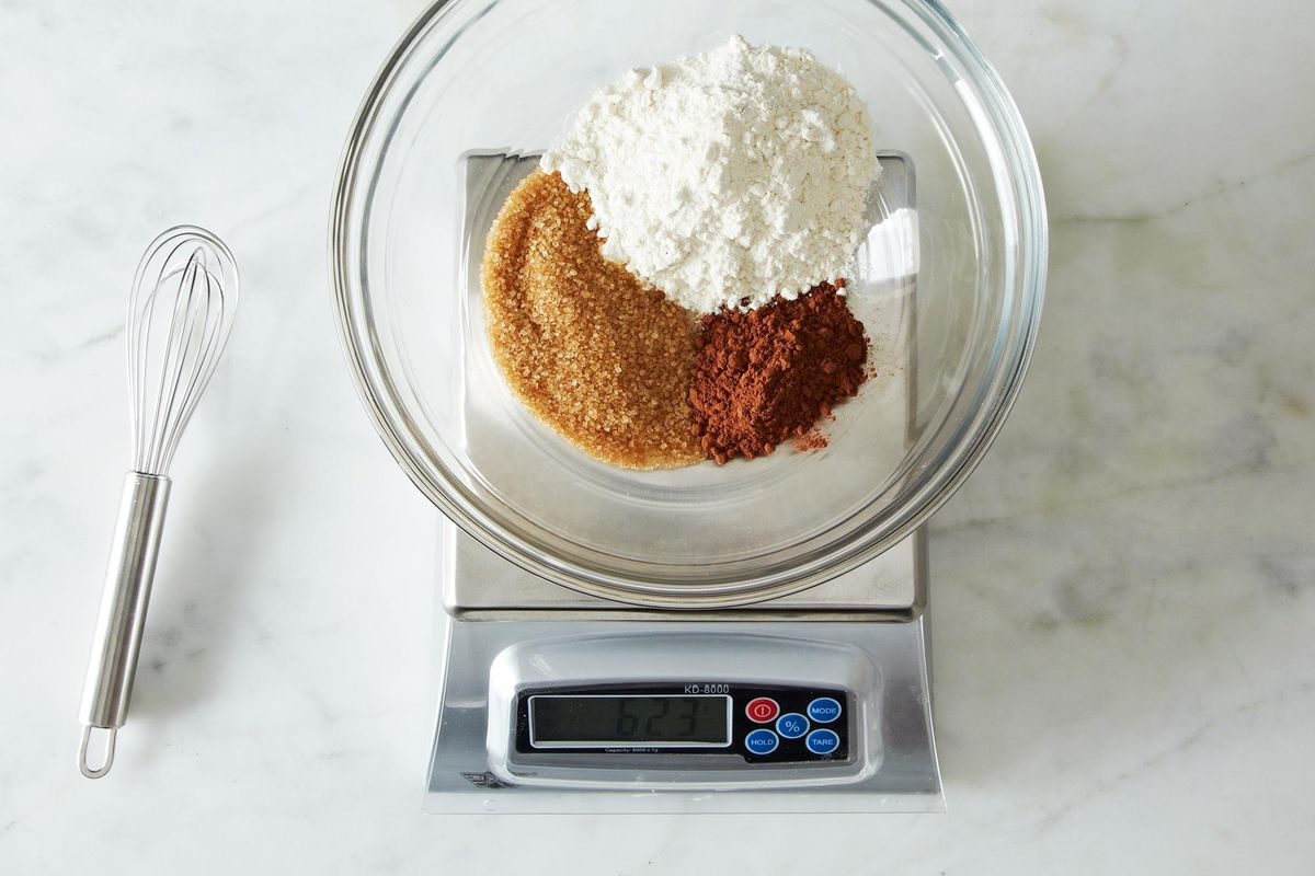 how much do wedding cakes weigh why to bake with a scale essential baking tips 15466