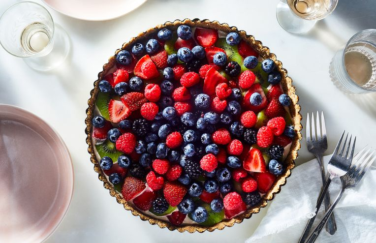 A Vegan, No-Bake Fruit Tart for Summer's Last Hurrah