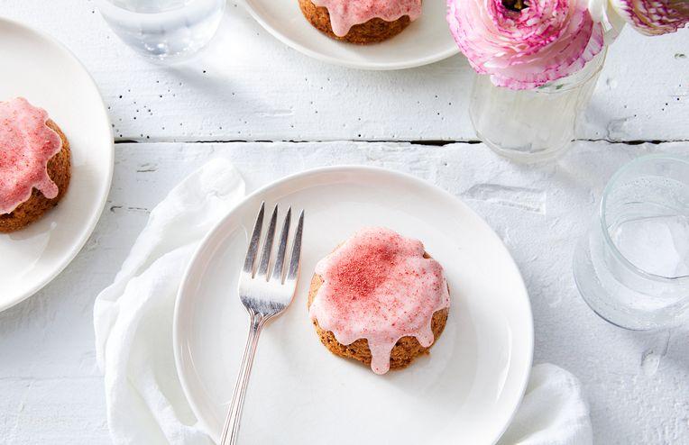 5-Ingredient Strawberry Shortbread Is Prettiest in Pink