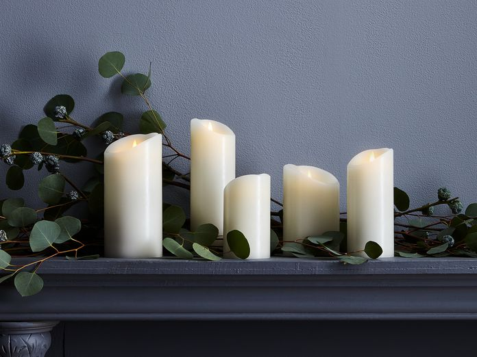15 Ways to Decorate with (Very Convincing!) Flameless Candles