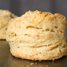 Spicy Sriracha Buttermilk Biscuits