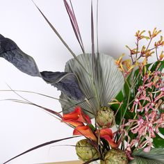 How to Make Beautiful, Not-Boring Flower Arrangements