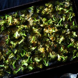 Df0b621e a260 4667 b833 75d59c60e5cc  2017 0911 cheesy sheet pan broccoli gratin julia gartland 4803