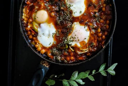 Luscious Tomatoes, Chickpeas, and Eggs