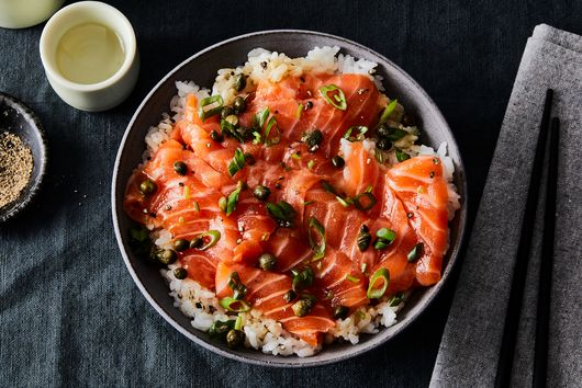 Seasoned Salmon With Warm Sushi Rice