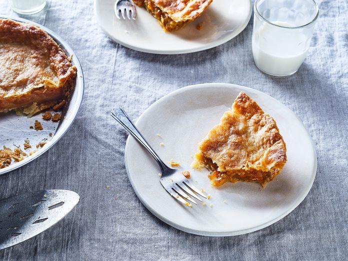 Celebrate Kumquat Season With a Tangy, Never-Bitter Pie