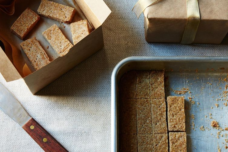 Cinnamon and Rye Shortbread Cookies