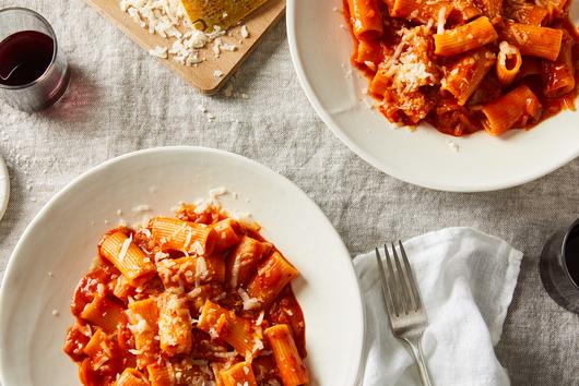One-Pot Tomatoey, Cheesy Pasta with Shallots