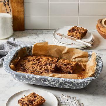 Golden Rabbit Enamelware Grey Swirl Open Baking Pan