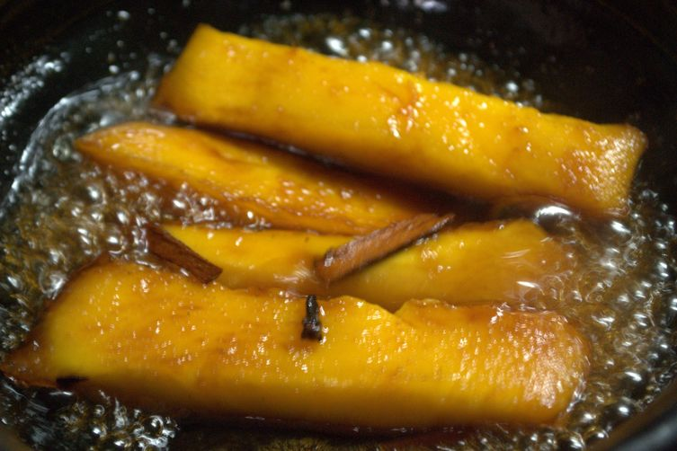 Flaming  Mango  Dessert
