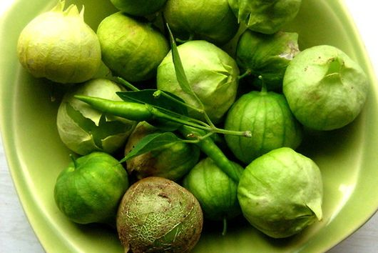 Tomatillo Avocado Crudo