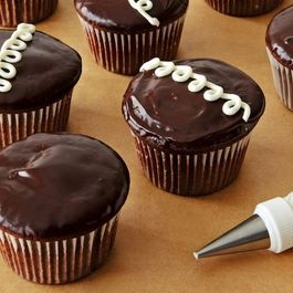 How to Make Hostess Cupcakes at Home