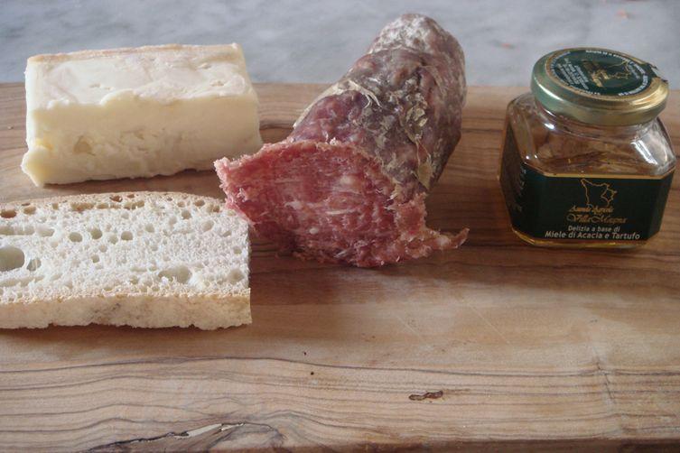 Grilled Taleggio cheese, Salami and Truffle Honey - Crostone di Taleggio, Salami con Miele Tartufato