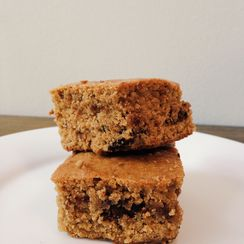 CHEWY ALMOND BUTTER QUINOA FLOUR BLONDIES