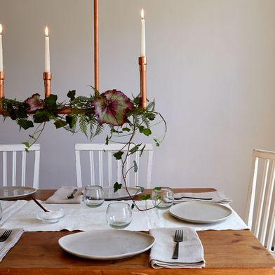 Houseplants Do Double Duty In This DIY Centerpiece