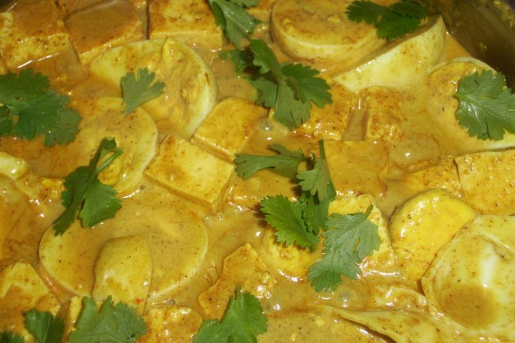 Egg and paneer curry