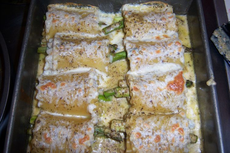 Creamy Pesto Tiger Shrimp and Asparagus Lasagna Bundles